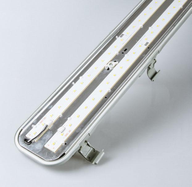 luminaire etanche ip65 60w 1 50m engitechs ref el1001bl60 fonctionnel luminaire etanche ip 65. Black Bedroom Furniture Sets. Home Design Ideas