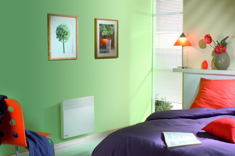 convecteur spot ii 1000w blanc 4ordres noirot ref 0073583fjez convecteur bas 1000w. Black Bedroom Furniture Sets. Home Design Ideas