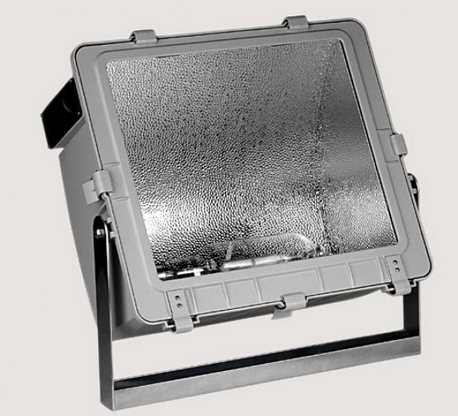 Projecteur asymetrique 1000w im shp avec sermes ref for Projecteur exterieur 1000w