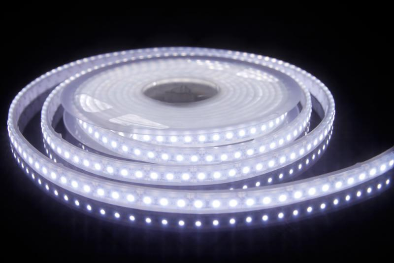 Ip67 5m bandeau led 12v 3528smd 7000k integral led ref 78 for Bandeau lumineux led interieur